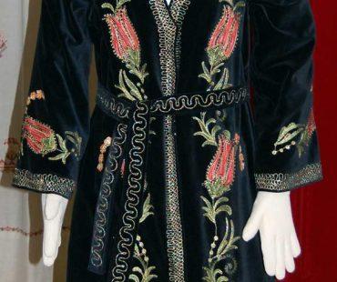 tulip-robe